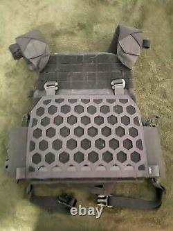 5.11 All Missions Plate Carrier Hexagrid -Black L/XL Like new Never worn