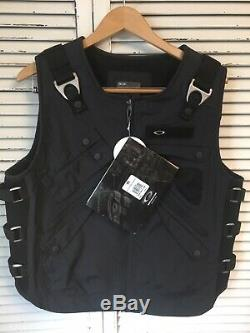 NWT 2005 Oakley Adaptable Payload Tactical Vest 99031 Black XL EXTREMELY RARE
